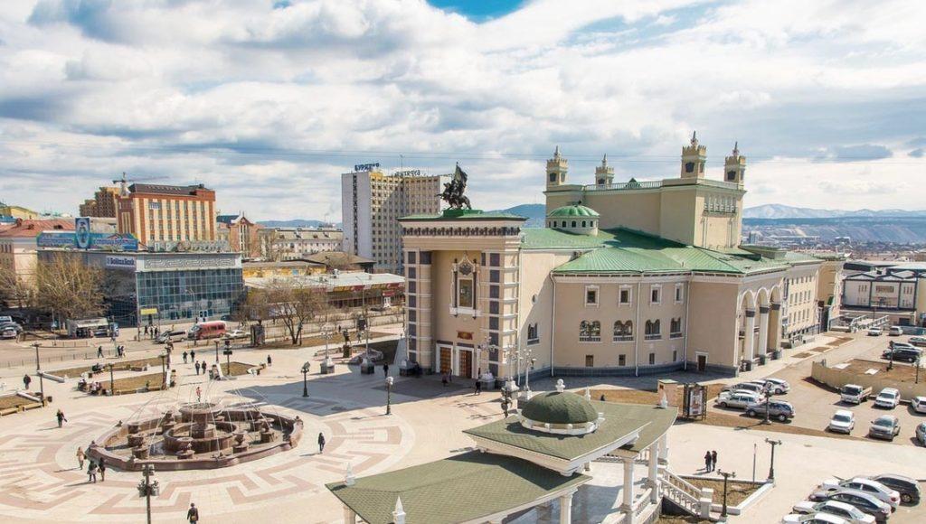 Улан-удэ. Театральная площадь.