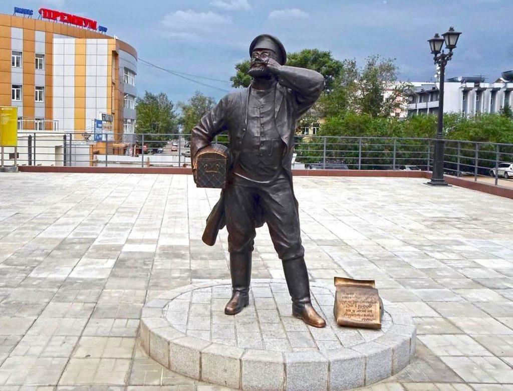 Скульптура Верхнеудинского купца Евсея Лукича.
