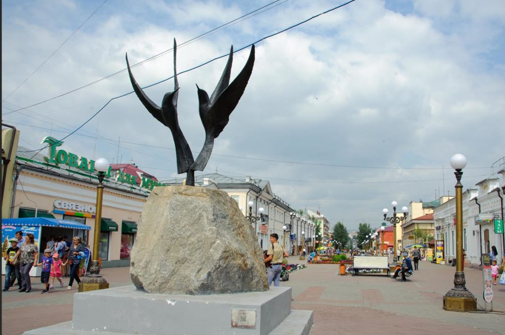 Скульптура «Две чайки – крачки»