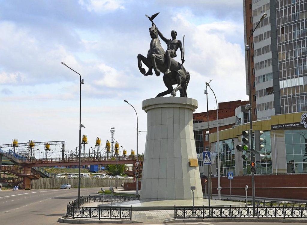 Памятник Юность Бурятии.