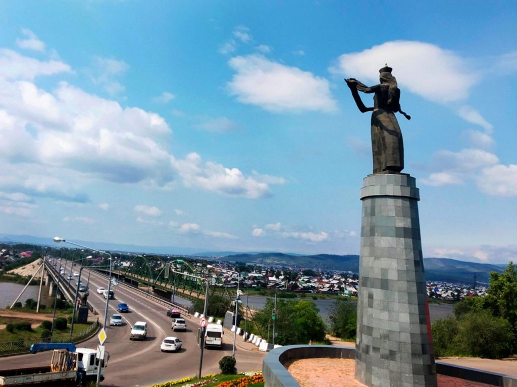 Монумент «Мать Бурятия».  Улан-Удэ.
