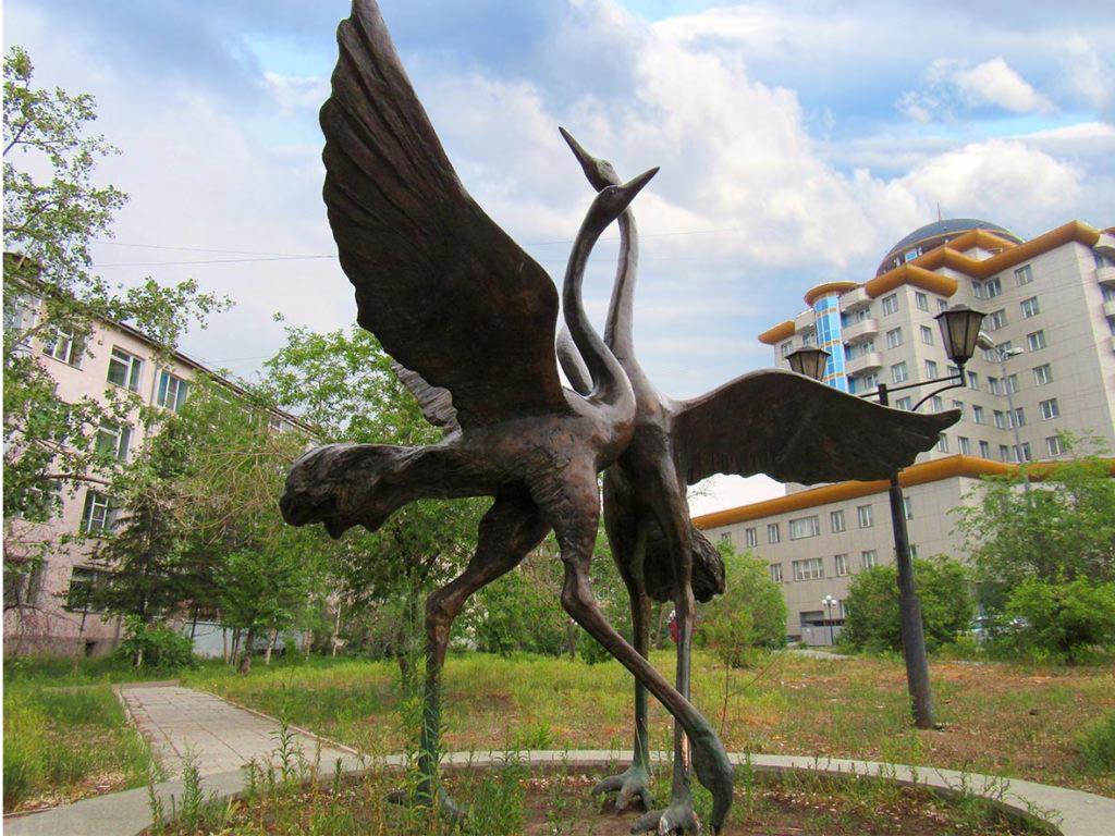 Улан-удэ. Скульптурная композиция «Журавли».