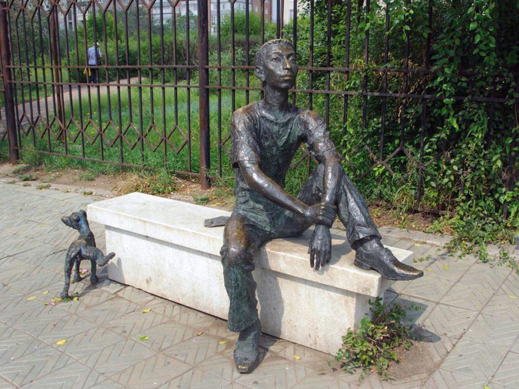 Памятник студенческому хвосту. Улан-Удэ.