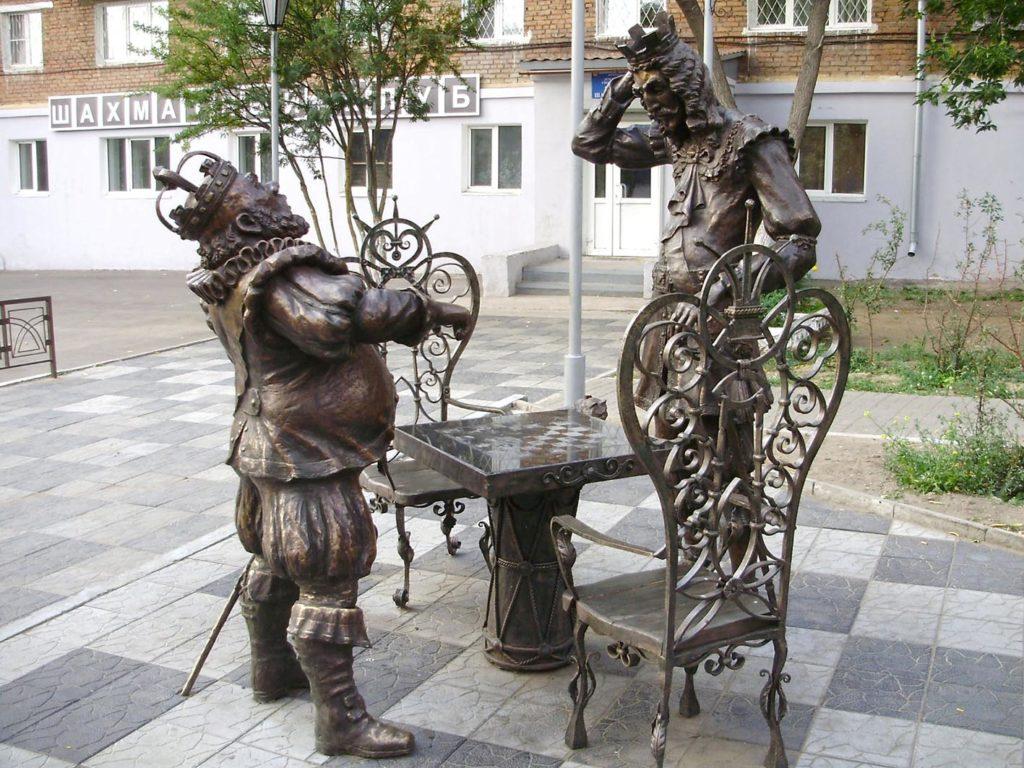"Скульптурная композиция ""Битва королей"". Улан-Удэ."