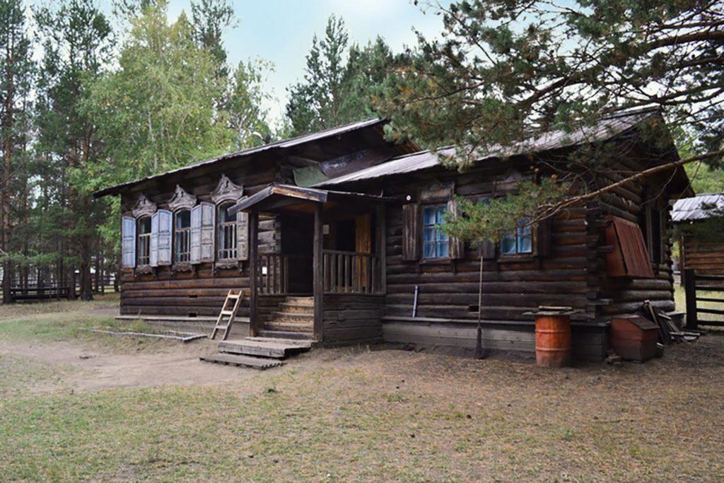 Этнографический музей. Зимняя усадьба бурята-скотовода