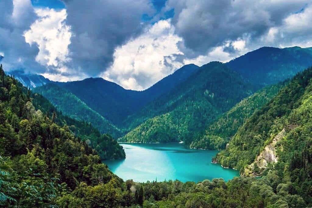 Куда поехать весной. Абхазия
